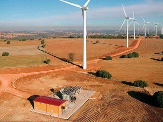 La junta de Comunidades de Castilla la Macha muestra su apoyo a las energías renovables
